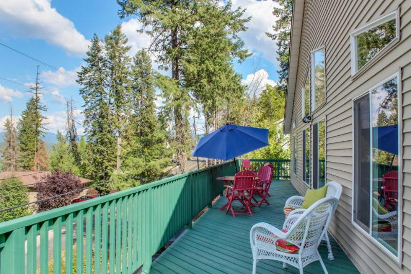 Lakeview home w/ game room & expansive, well-appointed deck - Image 1 - Hayden Lake - rentals