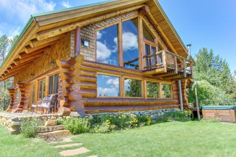 Gorgeous log cabin w/ private hot tub & pond on five acres of land. - Image 1 - McCall - rentals