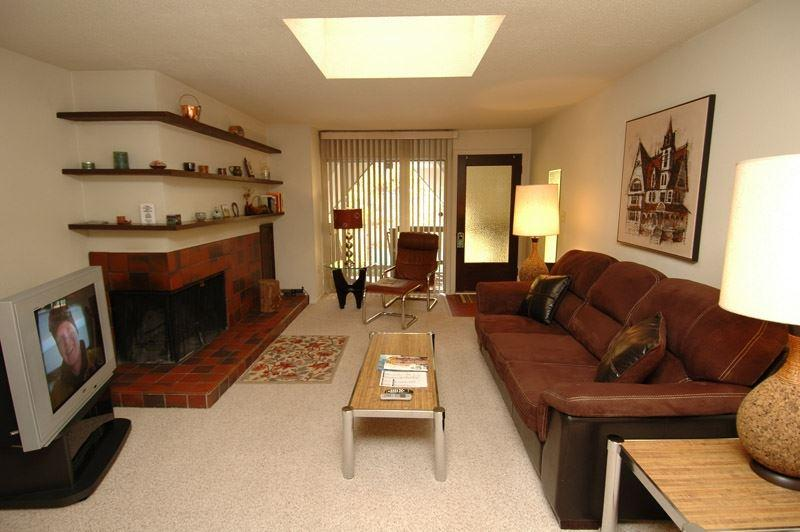 living_area_1.jpg - Timber Ridge Unit 3E - Aspen - rentals