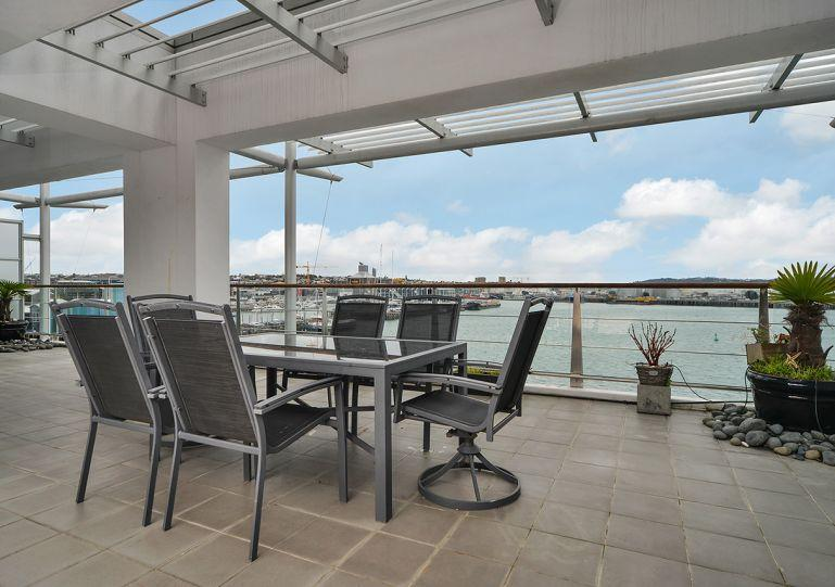 Stunning views from this 4th floor apartment - Large Luxury Waterfront Airconditioned Apartment on Princes Wharf with Views of the Sunset - Herne Bay - rentals