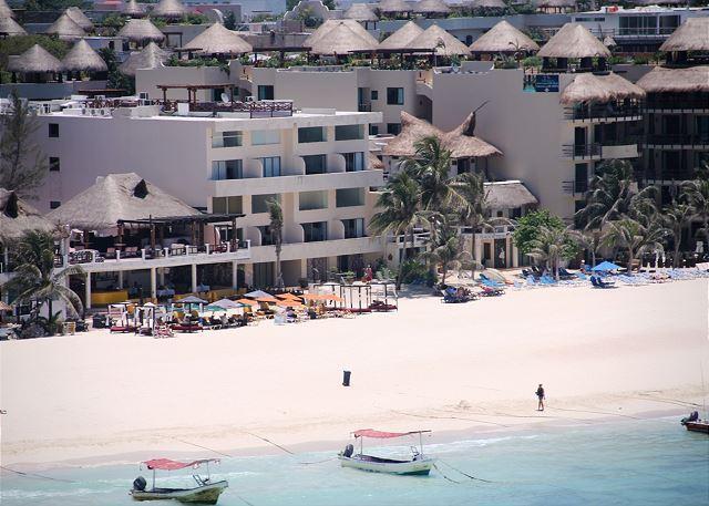 Loft style condo with pool, 2 bedroom in Ocean Plaza - Image 1 - Playa del Carmen - rentals