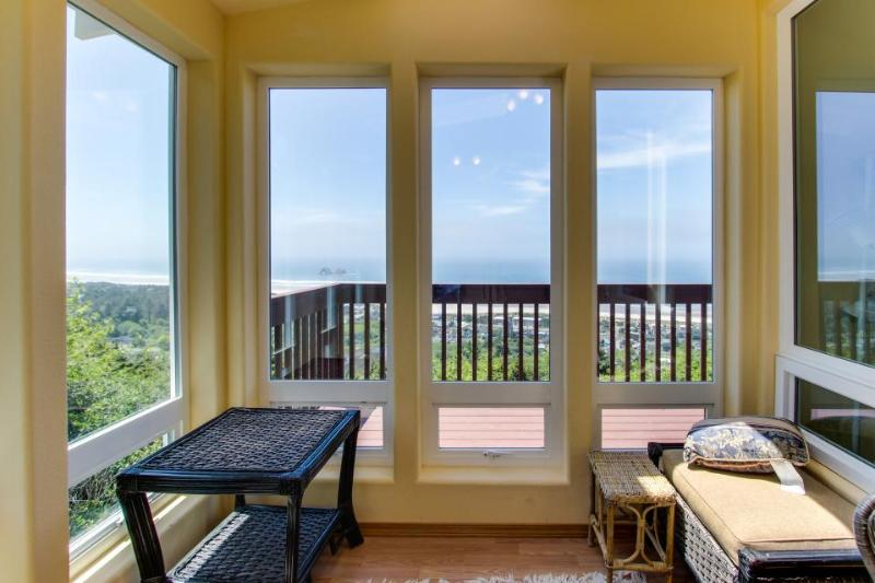 Beautiful home with ocean, mountain views, room for 10! - Image 1 - Rockaway Beach - rentals