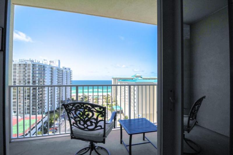 Condo with gorgeous views, beach access, and a shared pool and fitness center! - Image 1 - Miramar Beach - rentals