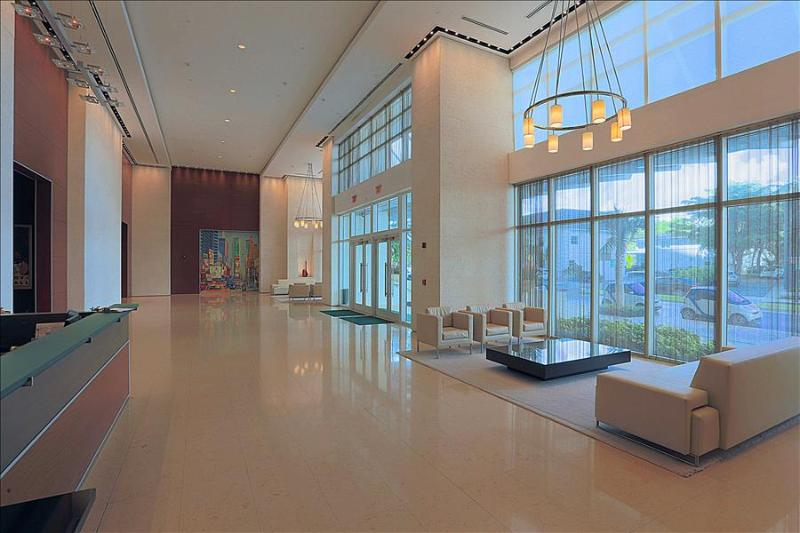 MIAMI -  Downtown Brickell 1 Bedroom Luxury Suite - Image 1 - Miami - rentals