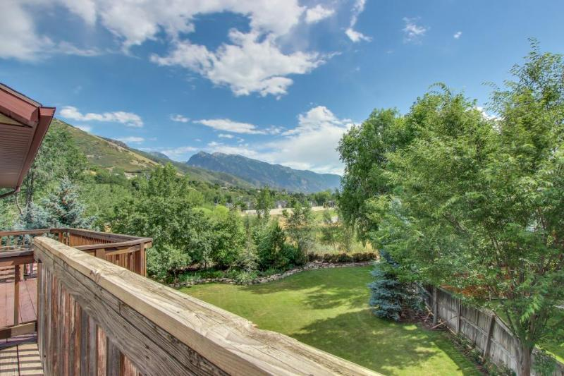 Deluxe, welcoming ski lodging for a group, close to four ski resorts! - Image 1 - Cottonwood Heights - rentals