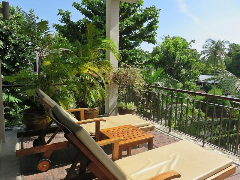 Terrace - Kata Beach 2 Bed Tropical Retreat Walk To Beach - Kata - rentals