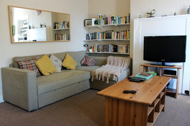 the spacious living room - 7 Crawford Street, Millport, Isle of Cumbrae - Millport - rentals