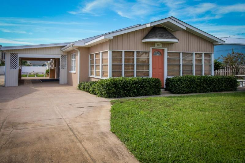 Two cottages w/a shared yard, patio & private beach access! - Image 1 - Panama City Beach - rentals
