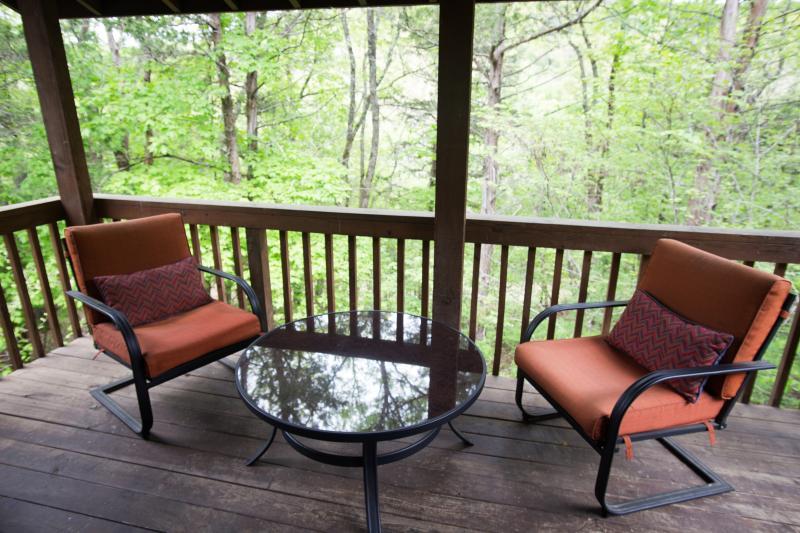 Enchanted Forest Resort: Shady Oak Cabin - Image 1 - Eureka Springs - rentals