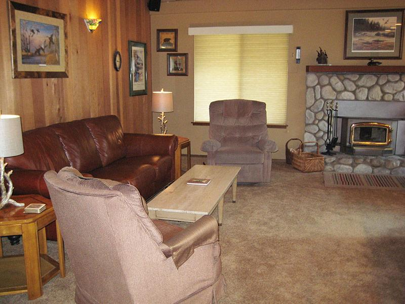 Living Room - Horizons 4 - HZ102 - Mammoth Lakes - rentals