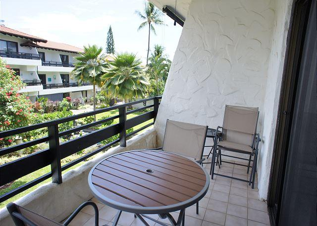 Lanai with Peekaboo Ocean Views - AC Included! Lovely Island Home- Casa De Emdeko #221 - Kailua-Kona - rentals