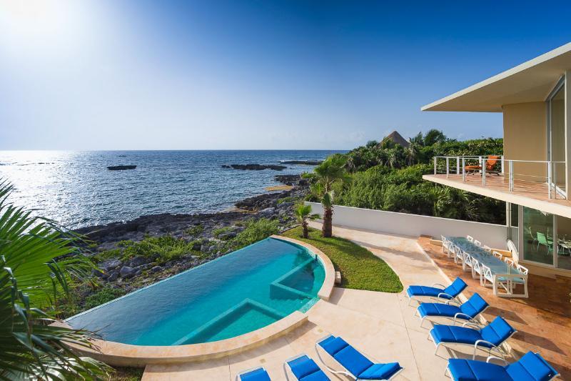 Villa Gauguin, Sleeps 12 - Image 1 - Akumal - rentals