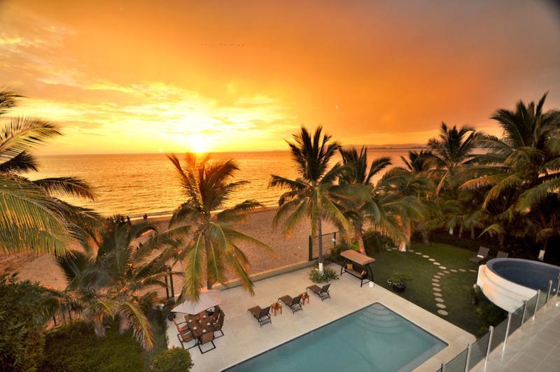 Casa La Playa, Sleeps 14 - Image 1 - Puerto Vallarta - rentals