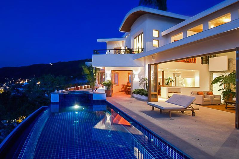 Villa Ventana, Sleeps 8 - Image 1 - Puerto Vallarta - rentals