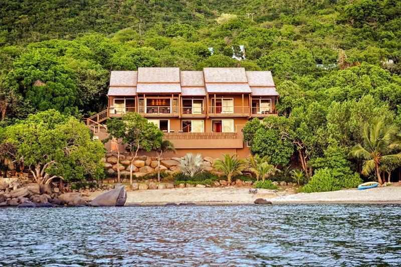 LaVida, Sleeps 10 - Image 1 - Nail Bay - rentals