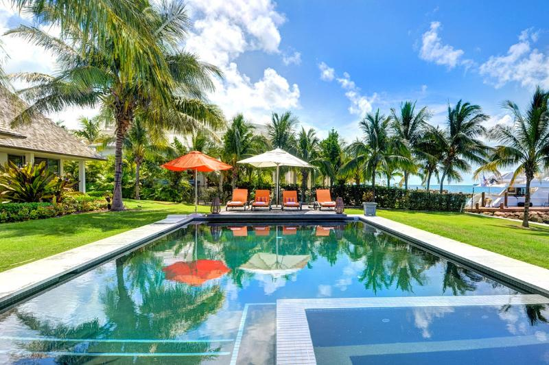 Villa Sul Mare, Sleeps 10 - Image 1 - Paradise Island - rentals