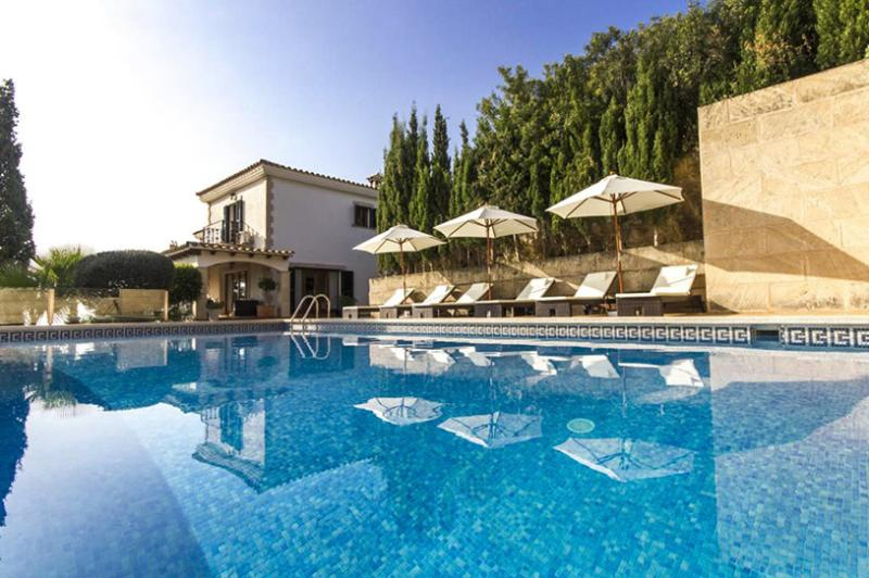 Villa Bendinat, Sleeps 10 - Image 1 - Calvia - rentals