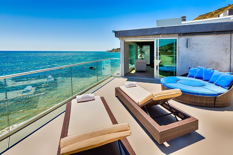 Oceanfront Celebrity, Sleeps 12 - Image 1 - Malibu - rentals