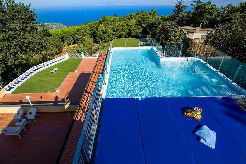 Villa Arabesca, Sleeps 10 - Image 1 - Sorrento - rentals