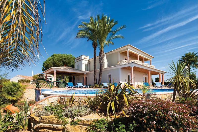 Villa Ribeira Lima, Sleeps 8 - Image 1 - Lagos - rentals
