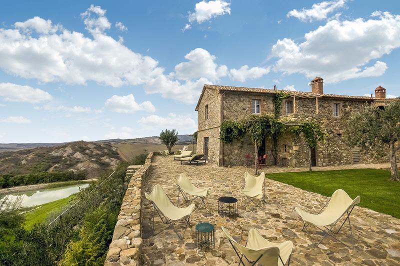 Villa Ranuncolo, Sleeps 19 - Image 1 - Val d'Orcia - rentals