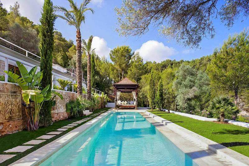 Villa Bali, Sleeps 16 - Image 1 - Sant Miquel De Balansat - rentals