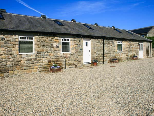 THE COWSHED luxury single-storey barn conversion, character features, en-suite, woodburner, in Horsley near Corbridge, Ref 30884 - Image 1 - Wylam - rentals