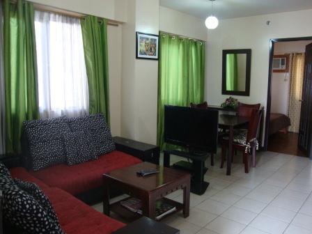 2B Corner Apt Balcony Overlooks Pool-10 min to BGC - Image 1 - Taguig City - rentals