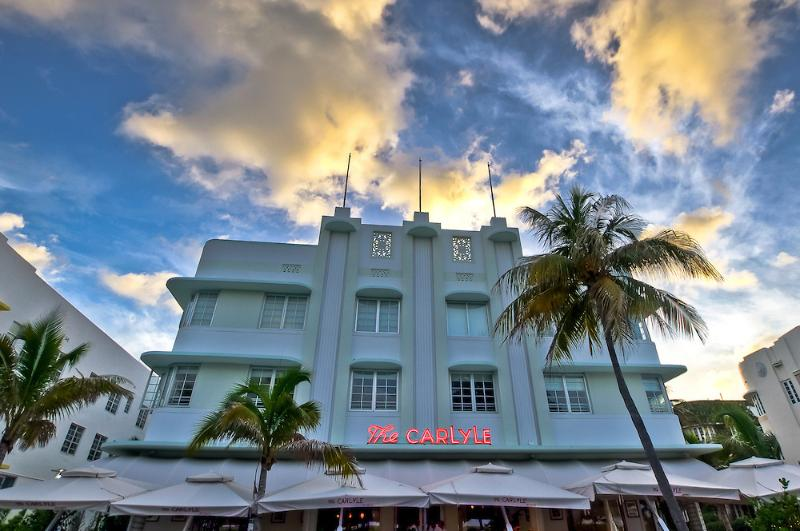 The Famous Carlyle - Luxury 1 Bedroom Luxury Condo Across from Beach! - Coconut Grove - rentals