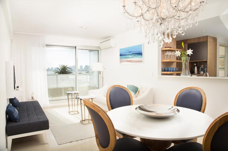 Bright 2 Bedroom Apartment in La Punta - Image 1 - Punta del Este - rentals