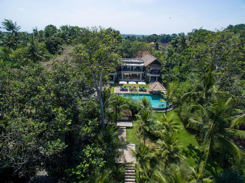 Seseh Beach Villas II - The villa and gardens from above - Seseh Beach Villa II - an elite haven - Canggu - rentals
