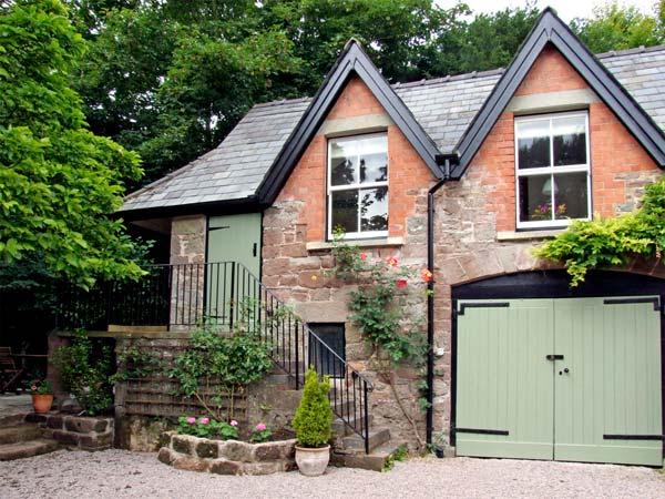 GRANTON COACH HOUSE, romantic, character holiday cottage, with open fire in Goodrich, Ref 3594 - Image 1 - Goodrich - rentals