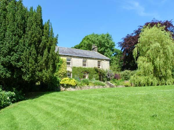 MEARBECK HOUSE, Grade II listed stone-built farmhouse, open fire, pet-friendly, WiFi, near Settle, Ref 915769 - Image 1 - Settle - rentals