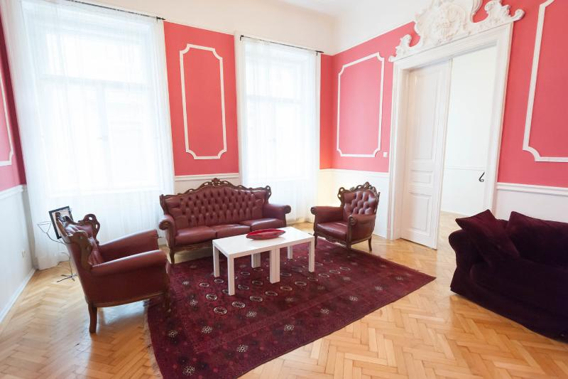 Living Room - Fantastic newly renovated apartment for up to 7 - Budapest - rentals