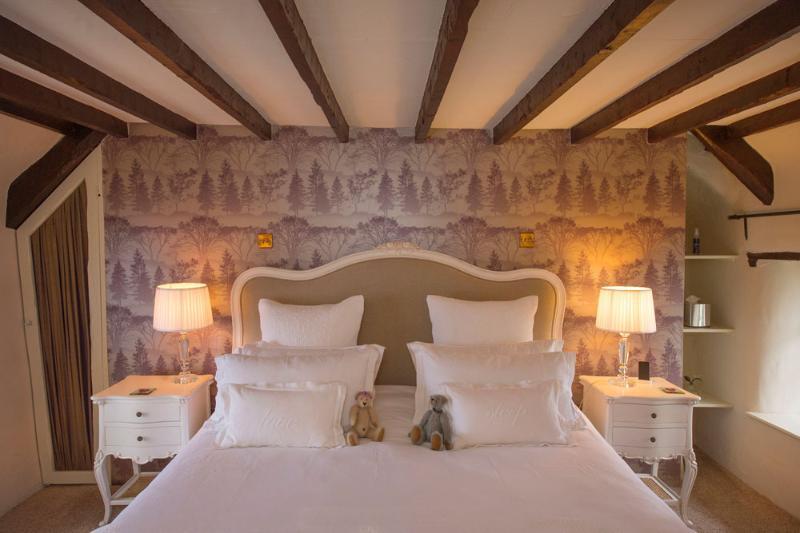The Master Bedroom - Rose Cottage Devon - Umberleigh - rentals