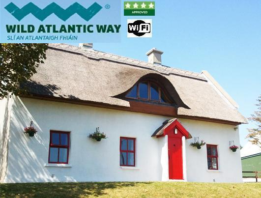 Teac Chondai Thatched Cottage - Self Catering Donegal - on Wild Atlantic Way - Teac Chondai Thatched Cottage - 4 Star Approved - Dungloe - rentals