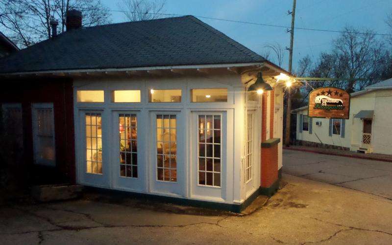 Texaco Bungalow - Historic Gas Station Suite, Large Deck, Full Kitchen - Image 1 - Eureka Springs - rentals