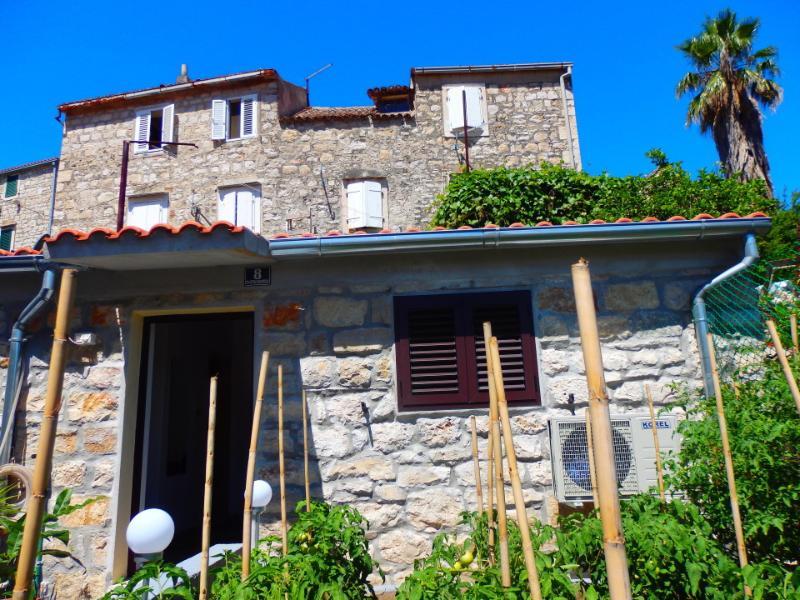 house - 5258  SA1(2) - Vis - Vis - rentals