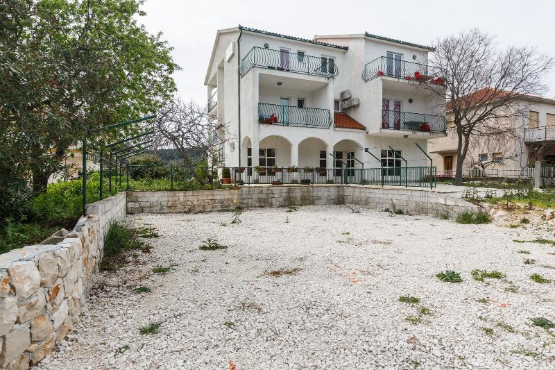 house - 5569  A7(2+2) - Okrug Donji - Okrug Donji - rentals
