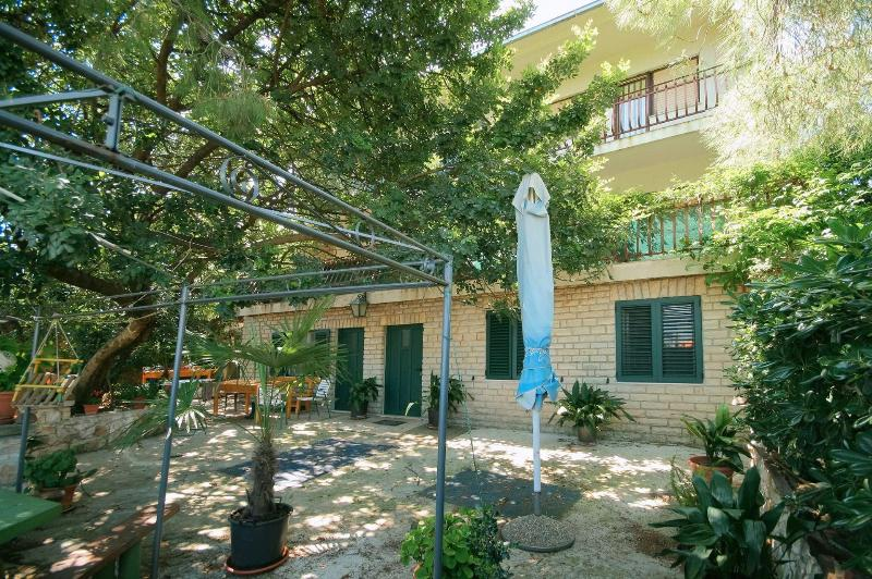 house - 5683  A3(4+1) - Arbanija - Arbanija - rentals