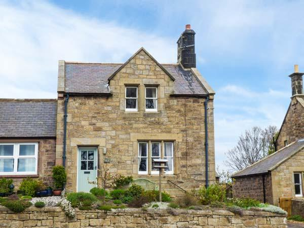 LIME TREE COTTAGE, family friendly, character holiday cottage, with a garden in - Image 1 - Chatton - rentals