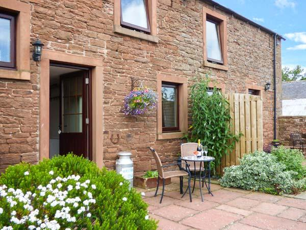 HORSESHOE COTTAGE, terraced cottage, spa bath, woodburner, walks nearby, near Wigton, Ref. 921599 - Image 1 - Wigton - rentals