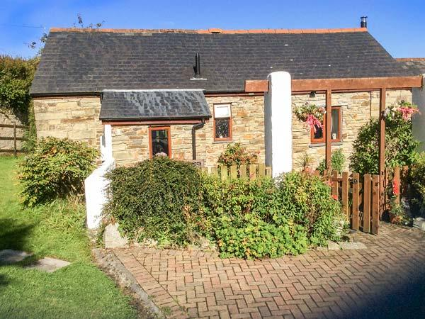 POLDARK COTTAGE, all ground floor, romantic retreat, parking, WiFi, in East Taphouse, Ref 926203 - Image 1 - Two Waters Foot - rentals