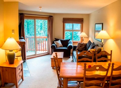 Dining and Living Room - Fireside Lodge Village Centre - FS318 - Sun Peaks - rentals