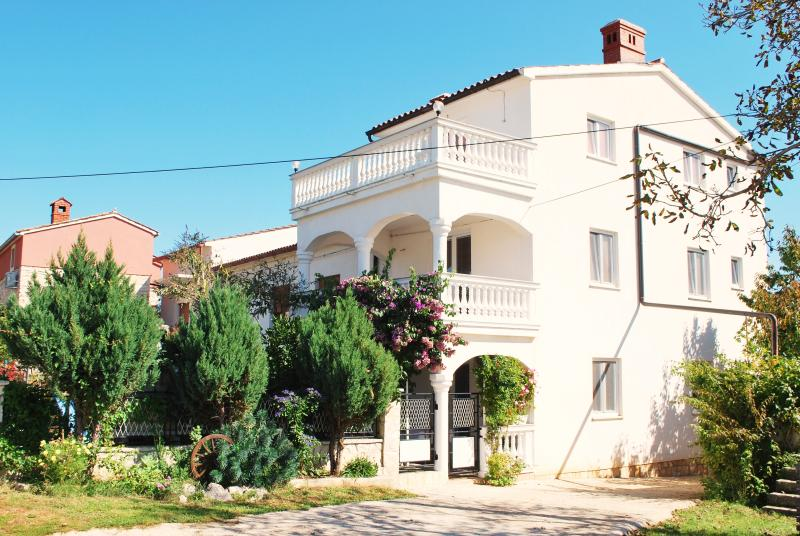 House for relaxing vacations - Image 1 - Pula - rentals