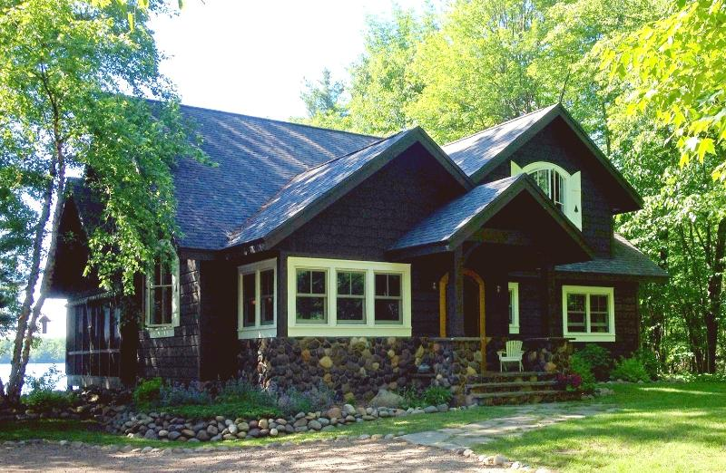 Runamuk Roost - Vintage Northwoods Lodge with Charm & Comfort - Hayward - rentals
