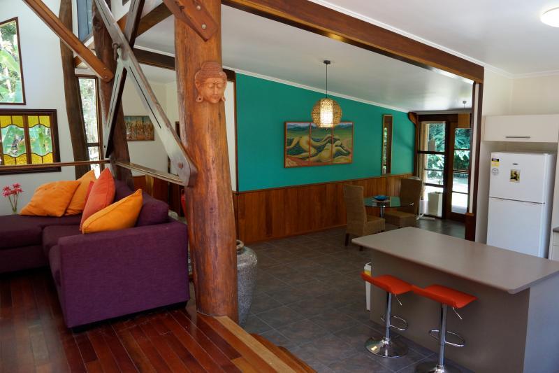 Beautiful artworks - Stonewood Retreat - Daintree Accommodation - Daintree - rentals