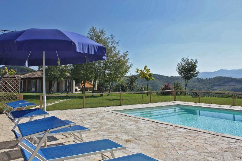 Private villa,11 sleeps, pool, pet-friendly, wi-fi - Image 1 - Fermignano - rentals
