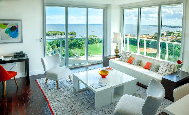 Nothing in front of you, just the ocean, the wild islands and the park. Relax. - Property 6530171 - Coconut Grove - rentals
