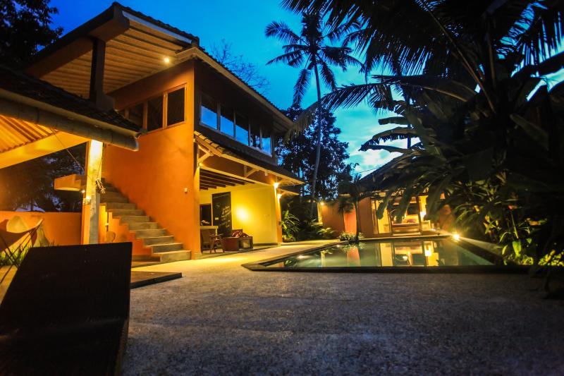 Starry night and full moon over Ubud Secret - Ubud Secret Hideaway villa - rice fields yet close - Ubud - rentals
